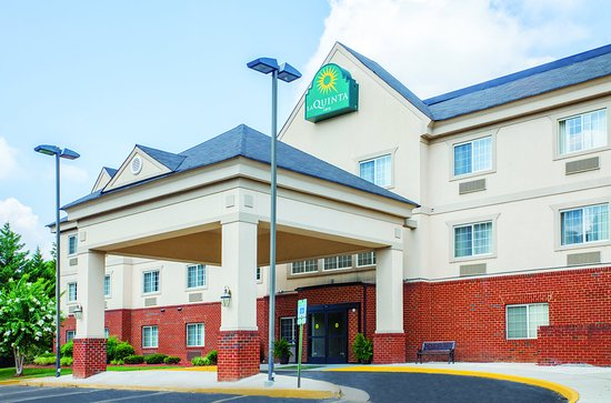 La Quinta Inn Richmond South: ExteriorView
