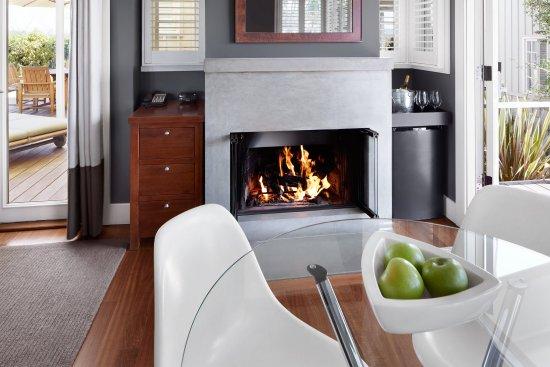 Carneros Resort and Spa: Harvest Suite Living Room