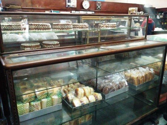 Kayani Bakery: rack2