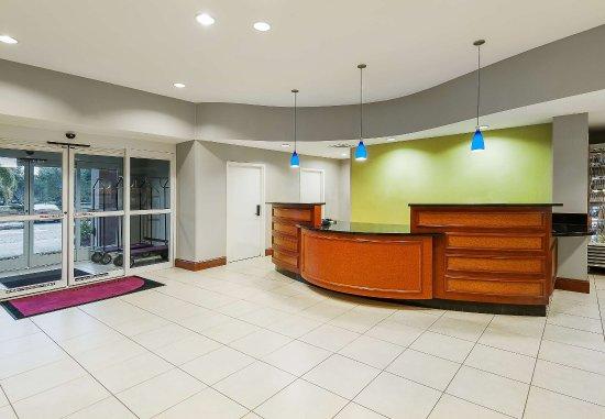 Residence Inn Orlando Airport: Front Desk