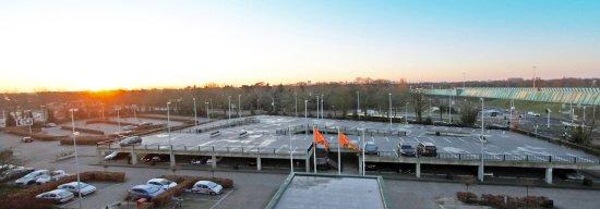 Вианен, Нидерланды: Van der valk Vianen - Parking place