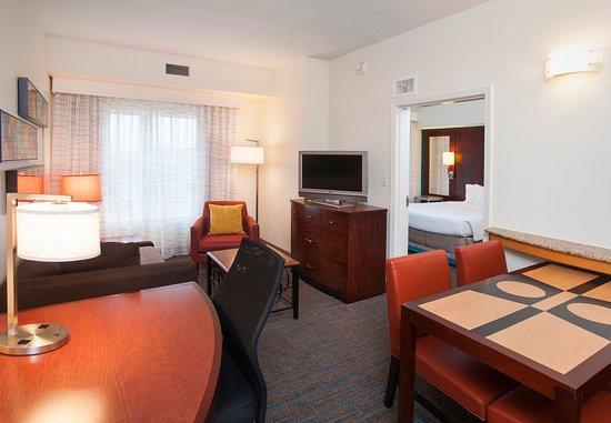 Hoover, AL: One-Bedroom Suite