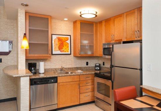 Hoover, AL: One-Bedroom Suite - Kitchen