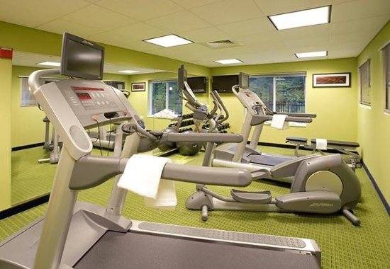 Hooksett, NH: Fitness Room