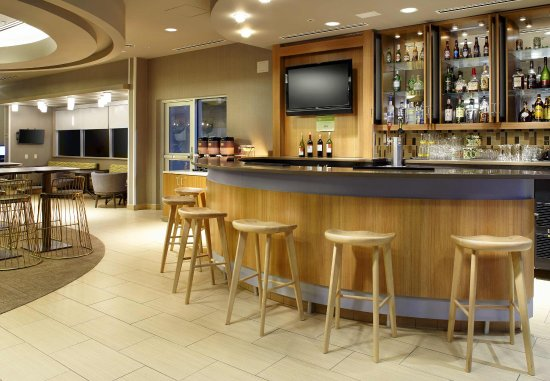 SpringHill Suites Chicago Waukegan/Gurnee: Cocktail Lounge