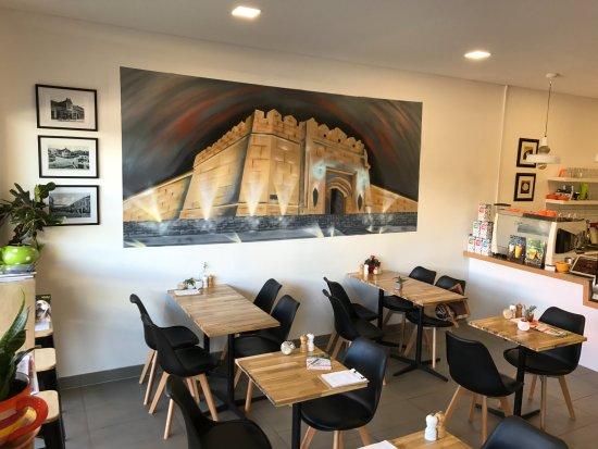 Frankston, Australia: Modern cafe with relaxed atmosphere.
