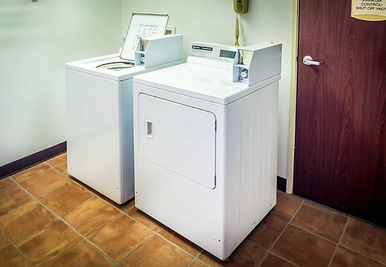 Highlands Ranch, CO: Guest Laundry