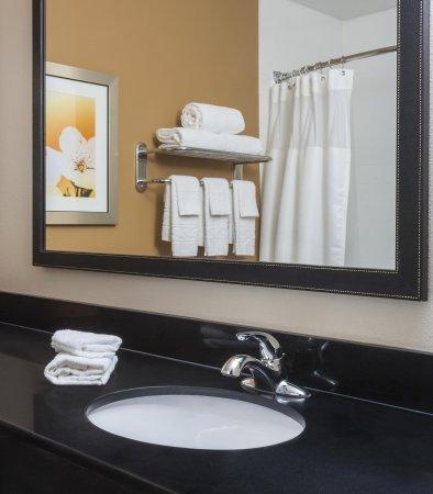 Temple, TX: Suite Bathroom Vanity