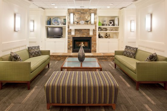 Holiday Inn Express Indianapolis Downtown City Centre: Gather your group in our beautiful lobby area