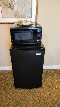 West Orange, NJ: Fridge, Microwave