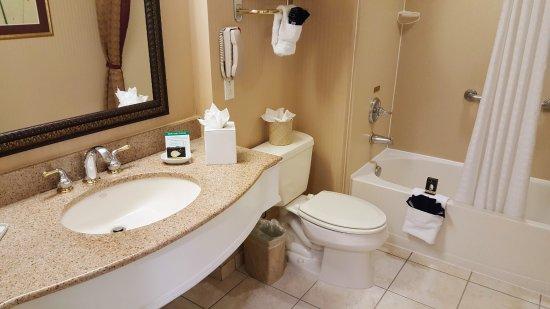 West Orange, NJ: Bathroom