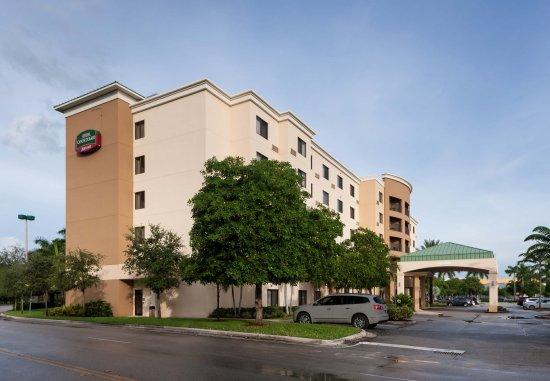 Doral, FL: Exterior