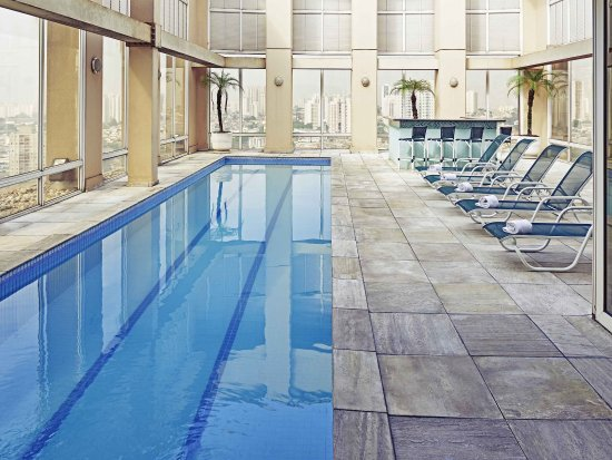 머큐어 과룰로스 에어로포르토 호텔