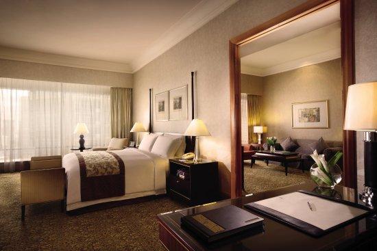 The Ritz-Carlton Jakarta, Mega Kuningan: The Ritz Carlton Jakarta Executive Suite