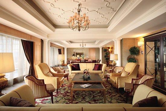 The Ritz-Carlton Jakarta, Mega Kuningan: The Ritz Carlton Jakarta The Presidential Suite