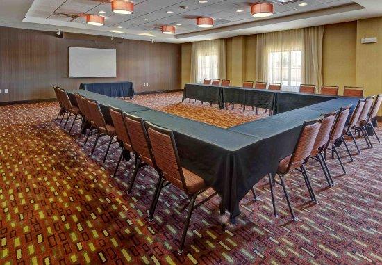 Courtyard Midland: Bonzai Meeting Room - U Shape