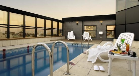 Aspen Towers Hotel: Pool