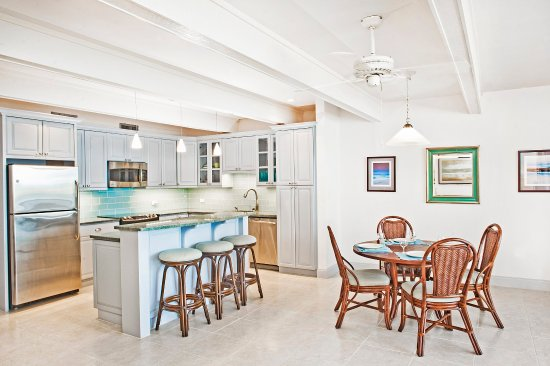 Benner, St. Thomas: One bedroom dining
