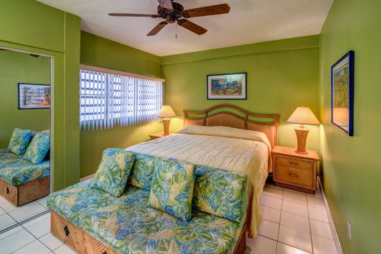 Benner, St. Thomas: Two bedroom bed