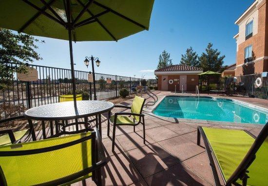 ริดจ์เครสต์, แคลิฟอร์เนีย: Outdoor Pool