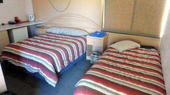 Aileron Hotel and Roadhouse Photo