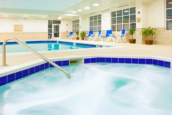 Front Royal, VA: Whirlpool and Heated indoor swimming pool
