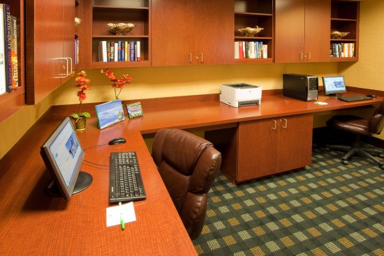 Front Royal, VA: Business Center with printer and two computer stations