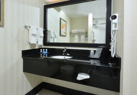 Wytheville, VA: Guest Bathroom