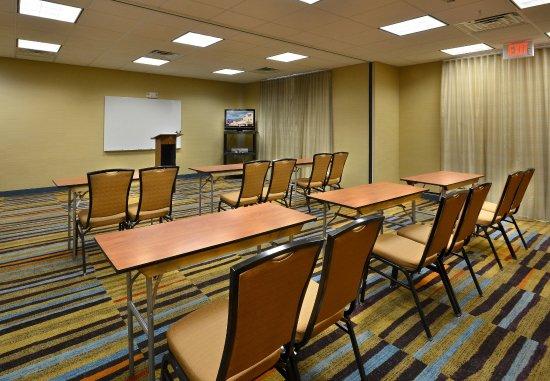 Wytheville, VA: Meeting Room - Classroom Setup