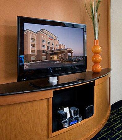 Overland Park, KS: Suite Entertainment Center