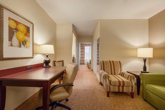 Red Wing, MN: CISREMNKing Bedroom Suite