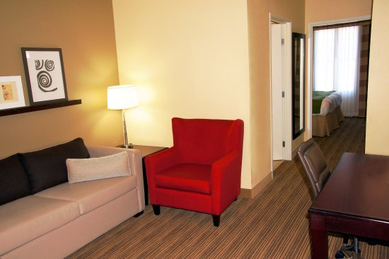 Red Wing, MN: King One Bedroom Suite