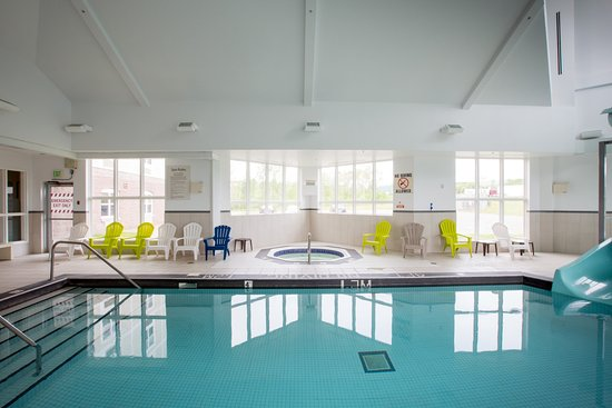 Stellarton, Canada: Splash around and have fun in our indoor heated pool