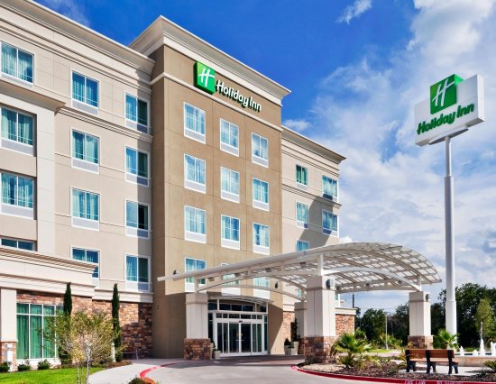 Holiday Inn & Suites Waco Northwest: Contemporary Handsome Hotel Exterior