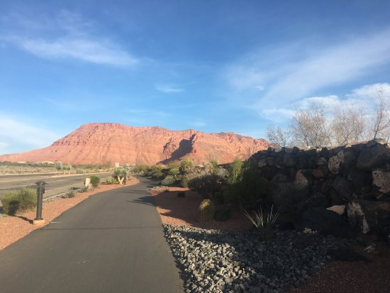 Ivins, UT: the path to the resort