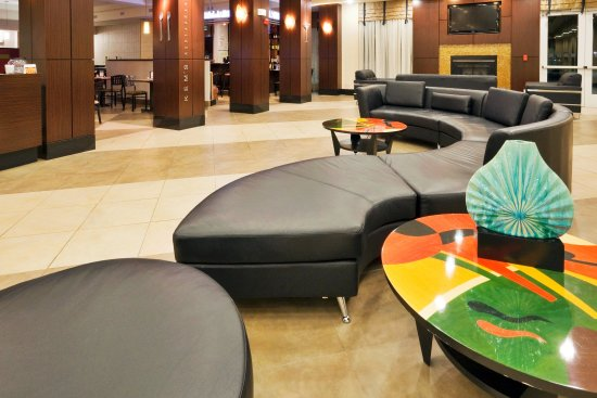 Bellmead, TX: Community lobby is a great place to relax and meet