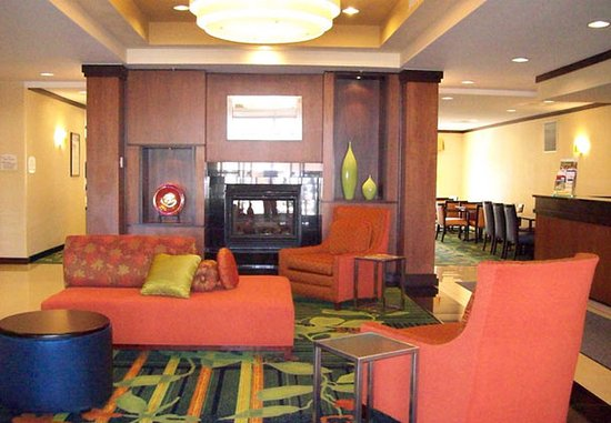 Fairfield Inn & Suites Strasburg Shenandoah Valley: Lobby