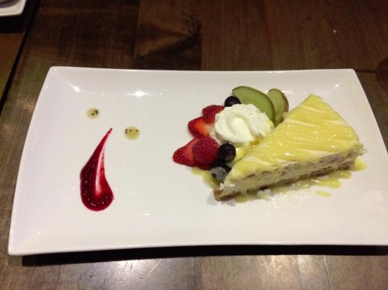 Pane Vino Trattoria & Wine Bar: lemon cheese cake