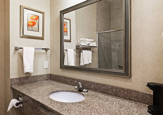 Kilgore, Teksas: Our spacious Guest Bathroom