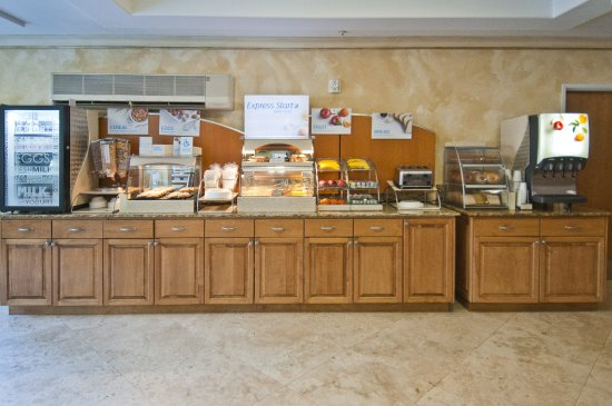 Holiday Inn Express & Suites Lafayette-South: Breakfast
