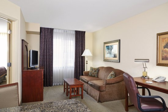Franklin, WI: Double Bed Living Area