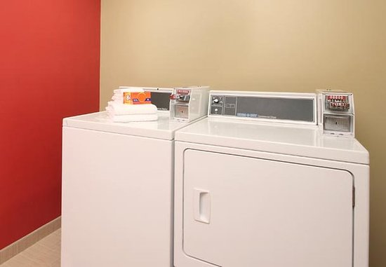 TownePlace Suites Albany Downtown/Medical Center: Guest Laundry