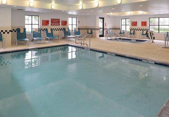 Roseville, CA: Indoor Pool & Hot Tub