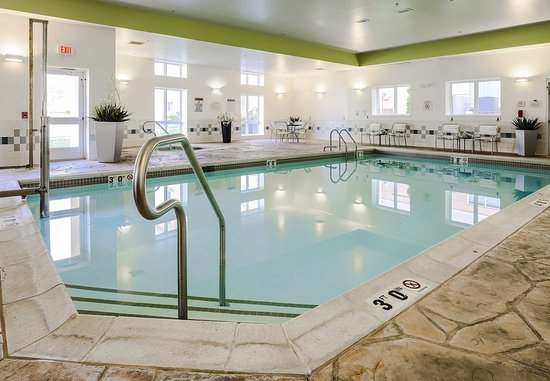 Fairfield Inn & Suites Wilkes-Barre Scranton: Indoor Pool