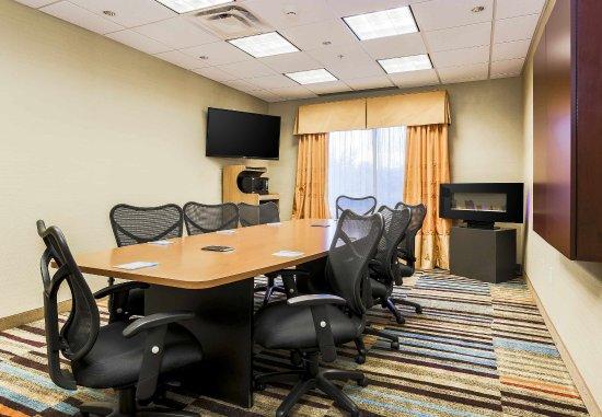 Fairfield Inn & Suites Wilkes-Barre Scranton: Executive Boadroom