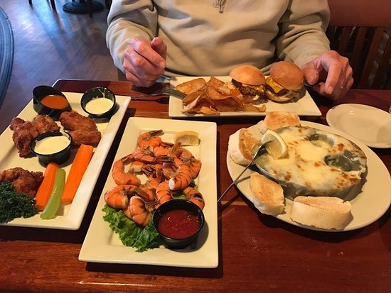 Dolphin Bar & Shrimp House: Great Appetizers!!!!