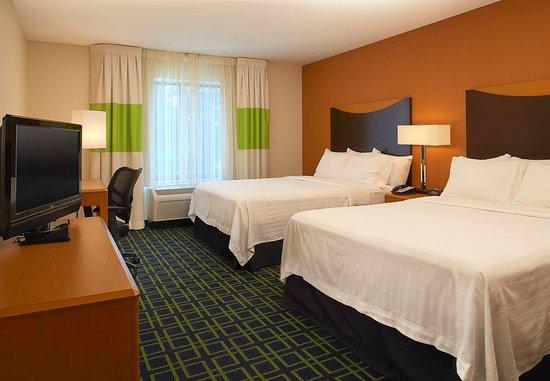 New Buffalo, MI: Queen/Queen Guest Room