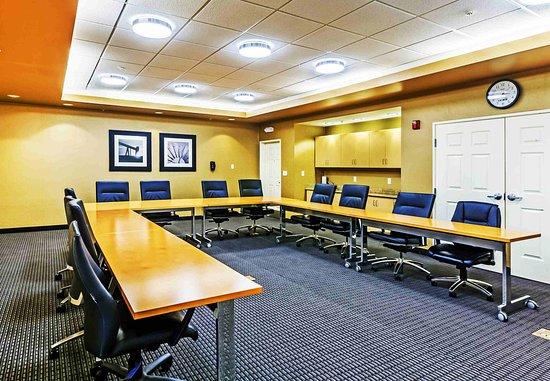 Broken Arrow, OK: Meeting Room - U-Shape Setup