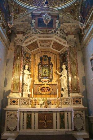 Spoleto, Itália: Altar de la Capilla del Santísimo Ícono, dentro de la Catedral
