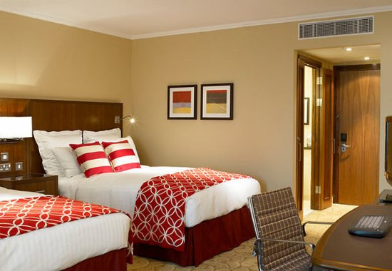 London Marriott Hotel Twickenham: Deluxe Double/Double Guest Room